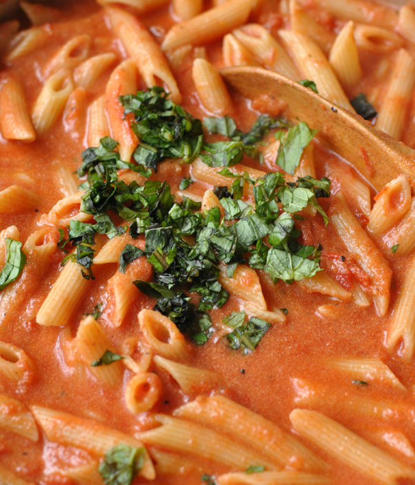 vodka-sauce-basil