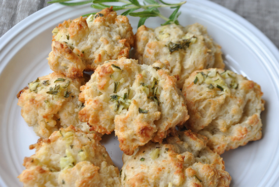 rosemary garlic drop biscuits